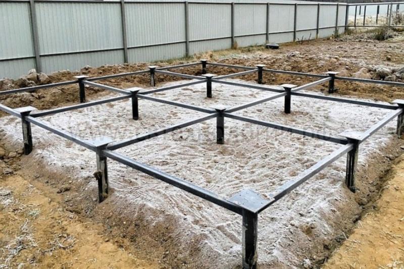 Укладка блоков ленточного фундамента в Красногорске